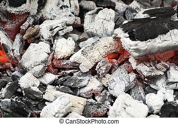 Hot coals - Lots of hot and white coals