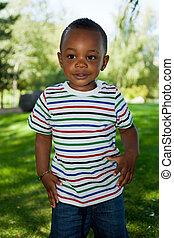 lindo, poco, niño, norteamericano, africano, bebé, juego