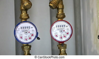 Cold and hot water gauges