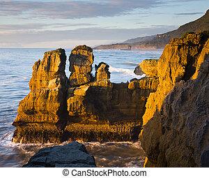 Punakaiki - Sea Stack, Punakaiki, West Coast, South Island,...