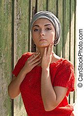 girl in the gray turban