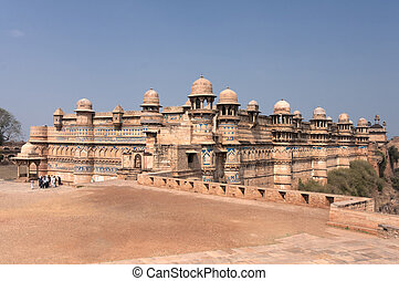 Fort and Palace of Indias Gwalior is built on a cliff -...