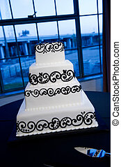 Elegant Black & White Wedding Cake - Image of a beautiful...