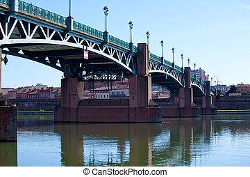 Pont Bridge Saint-Pierre across Garonne, Toulouse, France