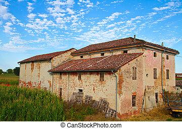 rural home landscape