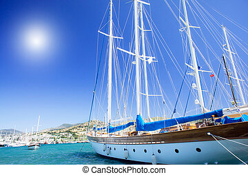 Wonderful yacht in blue bay near Bodrum town. - Splendid...