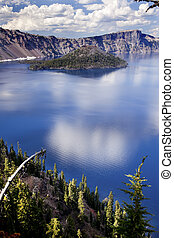 Crater Lake Reflection Clouds Blue Sky Oregon - Crater Lake...
