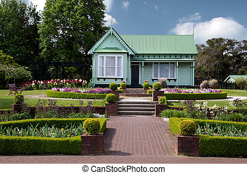 Little Green House - Little green house in Rotorua, New...