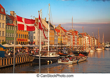 Copenhagen (Nyhavn district) in a sunny summer day -...