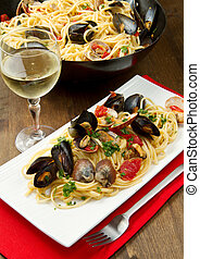 delicious pasta with clams - photo of delicious pasta with...