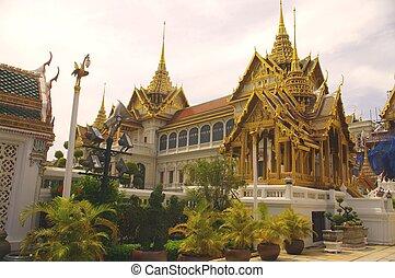 Palace de Dusit Maha Prasat - The Dusit Maha Prasat Palace...