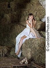portraite - attractive girl in the hay runaway bride