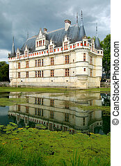 Azay Le Rideau Castle - The ch?teau of Azay-le-Rideau, one...