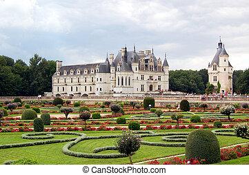 Chenonceau - Castle and garden - The Ch?teau de Chenonceau,...
