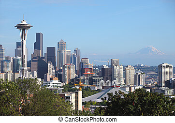 Seattle skyline and Mt Rainier, WA - Seattle skyline and Mt...