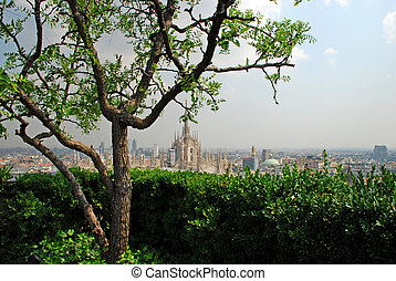 Milan Cathedral seen by a hanging garden