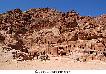 Petra, Lost rock city of Jordan - Petra's temples, tombs,...