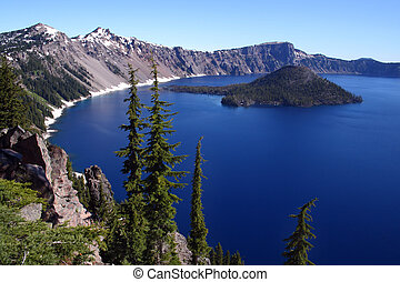 Crater Lake - Beautiful Crater Lake in southern Oregon
