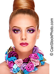 Violet make-up - Portrait of young beautiful tanned girl...