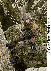 兵士, 崖, 武装させられた, 掛かること
