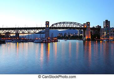 Burrard bridge at dusk Vancouver BC.,Canada. - The Burrard...