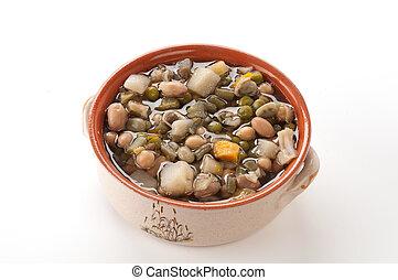Minestrone di verdure nella ciotola