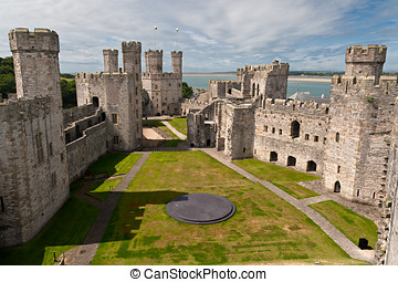 Caernarfon, castelo, Snowdonia, Gales
