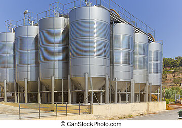 Grape Tanks - Stainless Steel Silos for the fermentation of...