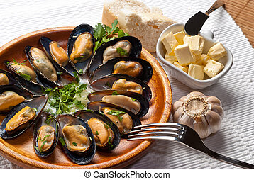 mussels in garlic butter sauce