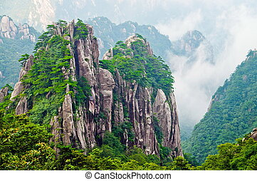 Yellow Mountain Huangshan - Atop in Yellow sacred mountains...