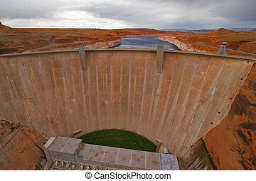 Glen Canyon Dam - Glen Canyon Dam on the river Colorado in...