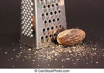 nutmeg and nutmeng grater