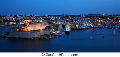 St. Angelo Fort in night. Malta - View of St. Angelo Fort...