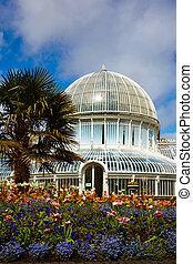The Palm House at the Botanic Gardens - The Palm House in...