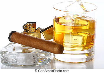 vidrio, whisky, cigarro