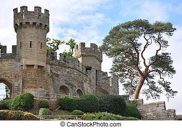 Warwick Castle in England - Warwick Castle in Warwickshire,...