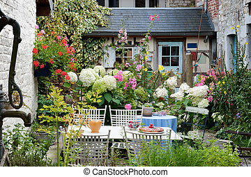 Vintage backyard - Cozy vintage backyard full of beautiful...