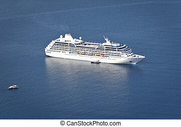 cruiser - An image of a cruiser in the blue ocean