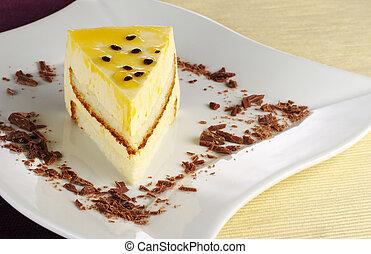 a, morceau, passionfruit, gâteau, chocolat, copeaux,...