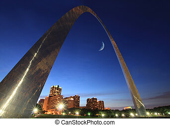 st louis arch - St Louis Arch at night with the crescent...