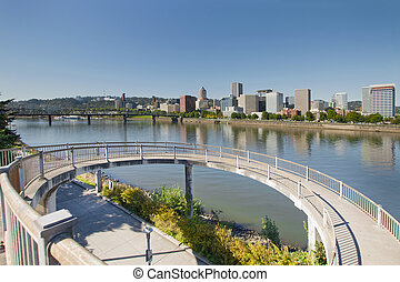 Circular Walkway on Portland Eastbank Esplanade - Circular...