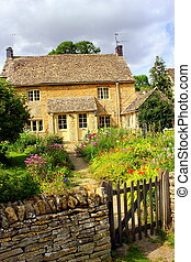 English village cottage - Pretty cottage in a village in the...