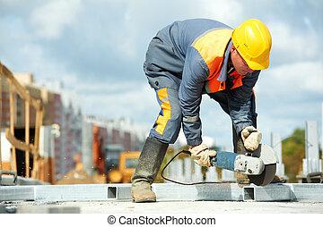 constructor, trabajando, corte, amoladora