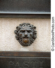 door bell - antique lion door bell in venice