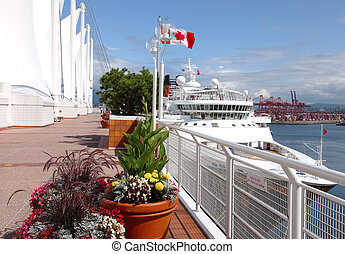 Canada Place & a moored cruise ship, Vancouver BC Canada. -...