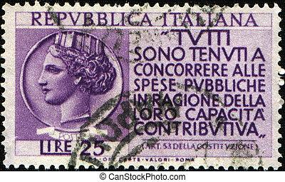 paga, su, Impuestos, italiano, constitución,...