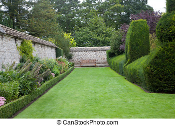 Avebury Estate Garden - Photo of a large garden taken in...