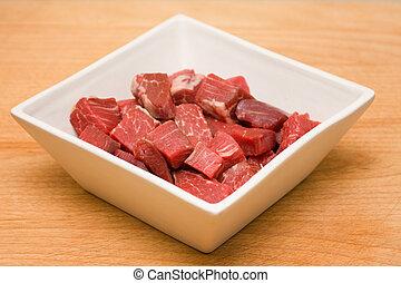 crudo, carne de vaca, cubos