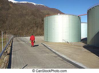 worker in gas industry