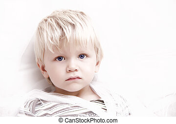 男孩, 白膚金髮